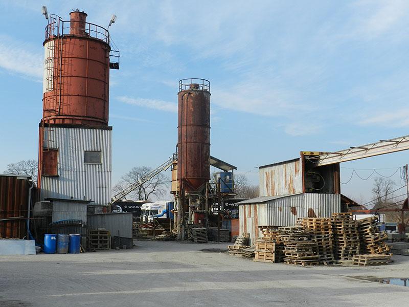 Betoniarnia-producent betonu towarowego Bruko-Bud Lisi Ogon g. Białe Błota