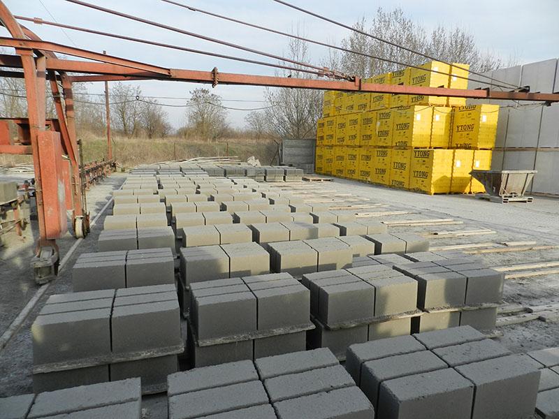 Produkcja prefabrykatów betonowych - bloczki fundamentowe