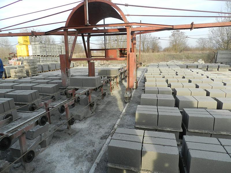 Linia produkcji bloczków fundamentowych Bruko-Bud