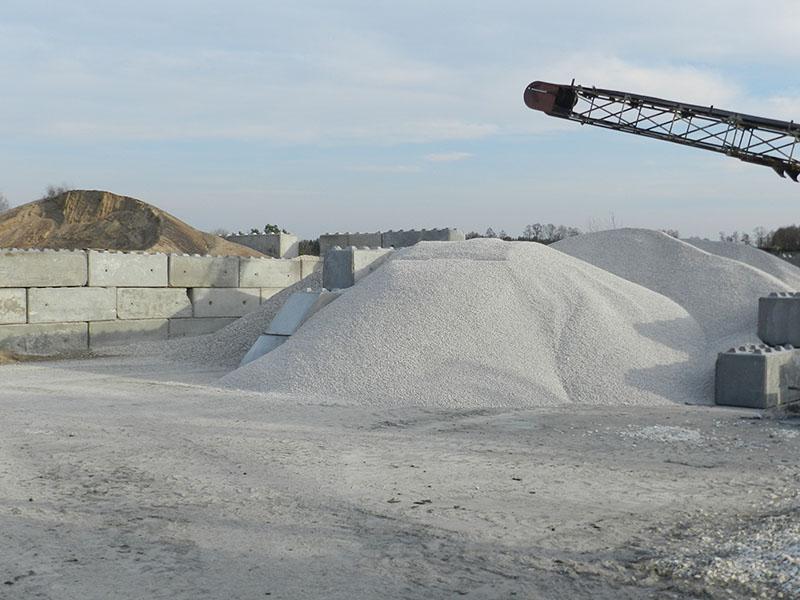 producent-prefabrykatow-betonowych-bruko-bud-sklad-kruszywa