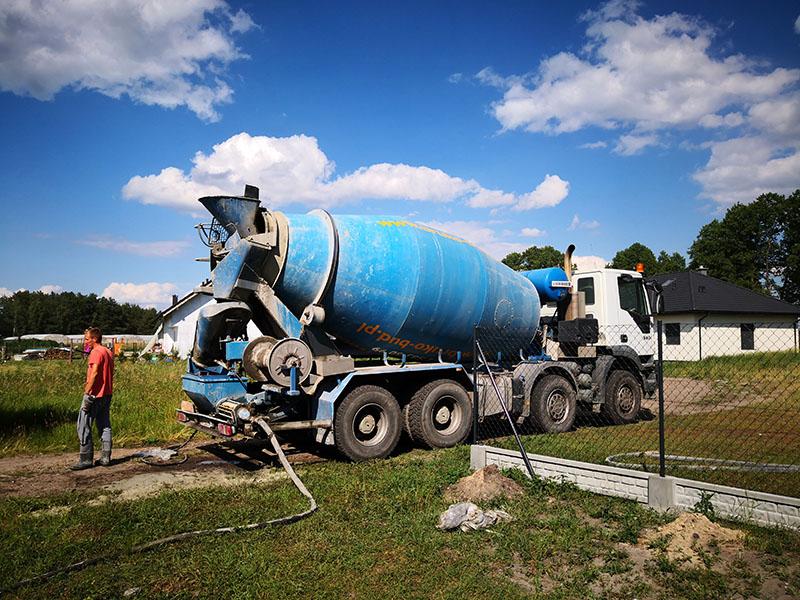 Producent prefabrykatów betonowych - beton towarowy Lisi Ogon Bruko-Bud