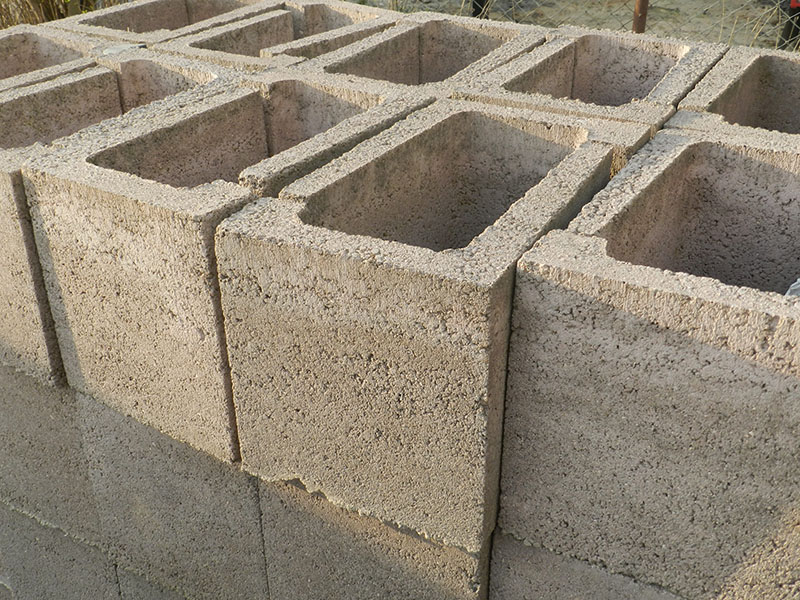 sprzedaz-bruko-bud-sklad-betonowe-gazony