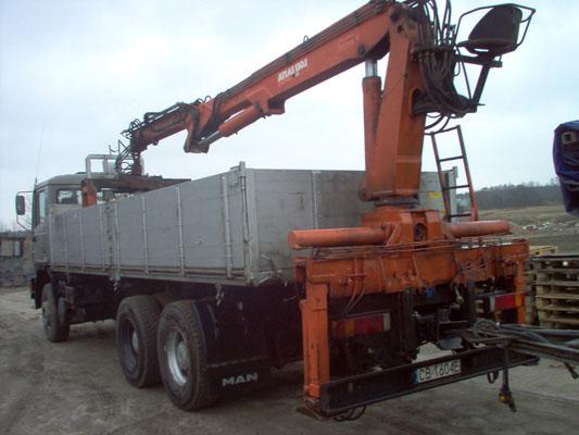 Transport materiałów budowlanych z HDS Bruko Bud Łochowo