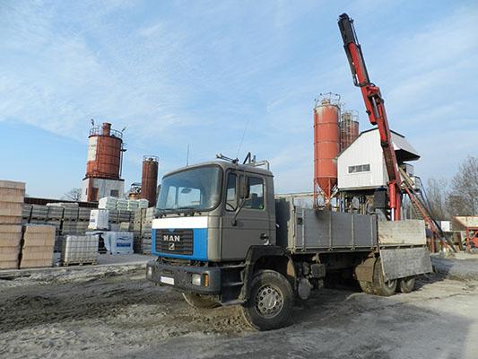 Transport materiałów budowlanych z HDS Bruko Bud Lisi Ogon