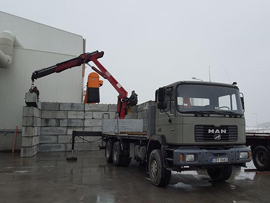 Transport materiałów budowlanych z HDS Bruko Bud Białe Błota
