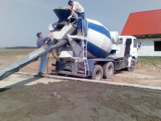transport-betonu-towarowego-bruko-bud-brzoza