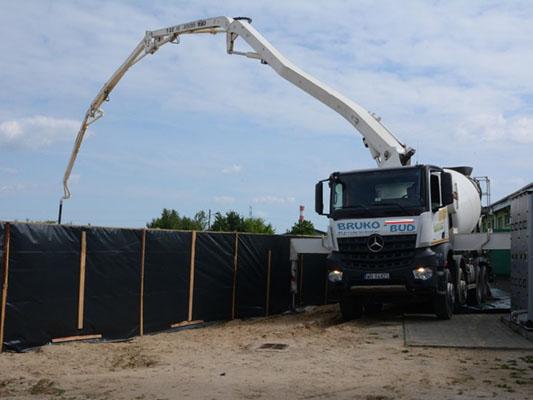transport-betonu-towarowego-bruko-bud-lochowo
